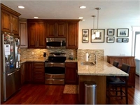 Furnished condo in the Greater Aves