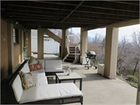 Mountain Views - bright basement apartment